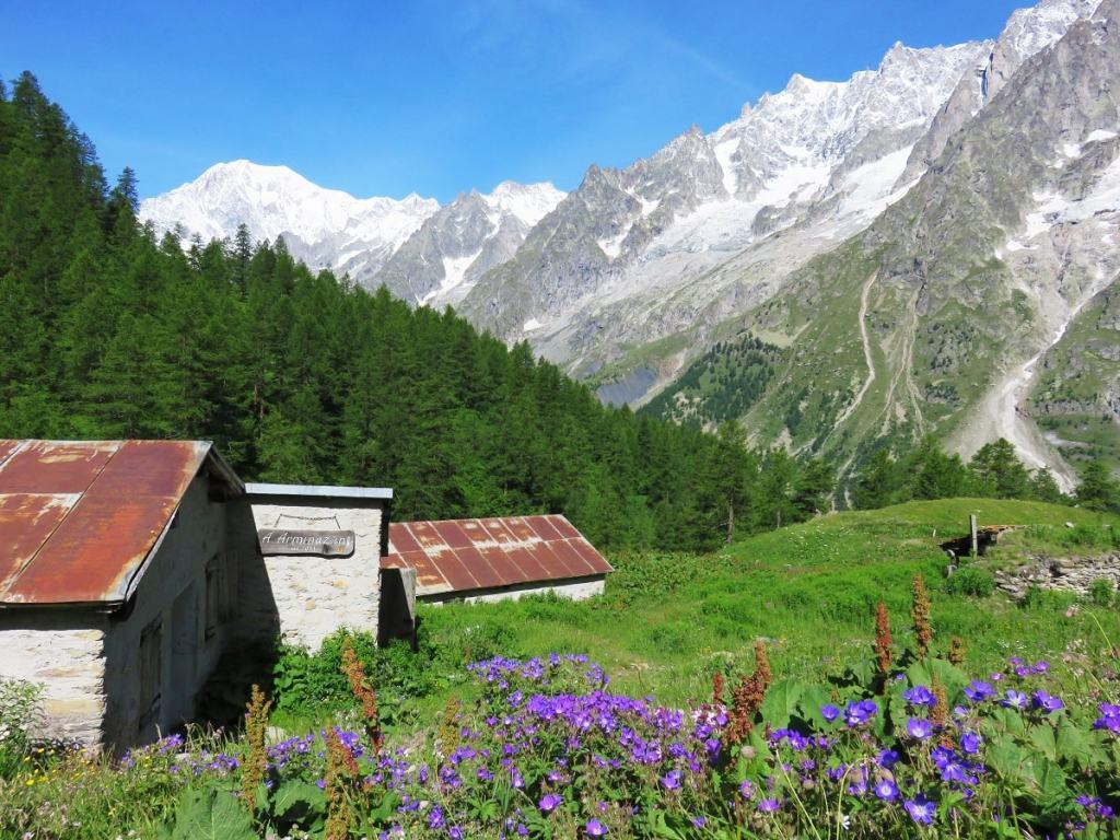 Sentier du TMB vers refuge Bonatti