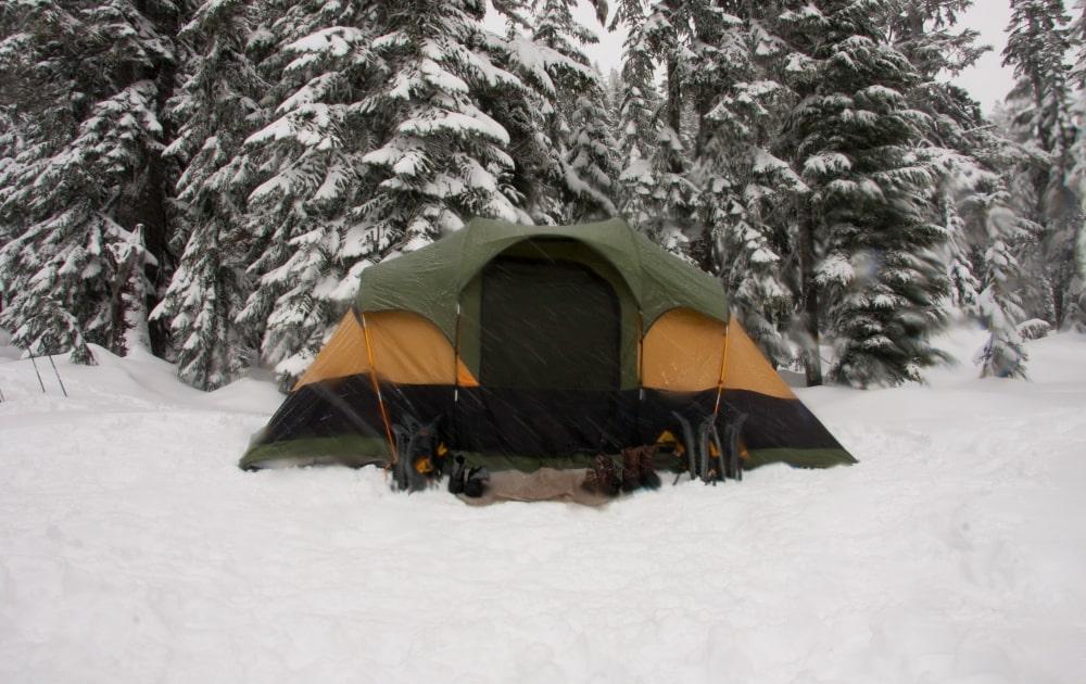 équipement de randonnée hiver : la tente 4 saisons