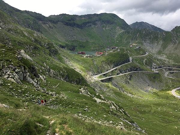 trek en roumanie avec guide de montagne