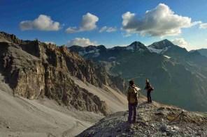 Escursionisti, tramonto, Monte Confinale, Giro del Confinale, V Alpini, Alpi, Italia, Stelvio, escursionismo, estate