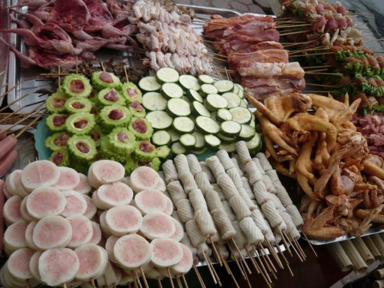 4-sapa-trekking-savor-the-food