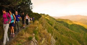 Passaggio sul Monte Zatta, crinale panoramico sull'Alta Via delle Cinque Terre