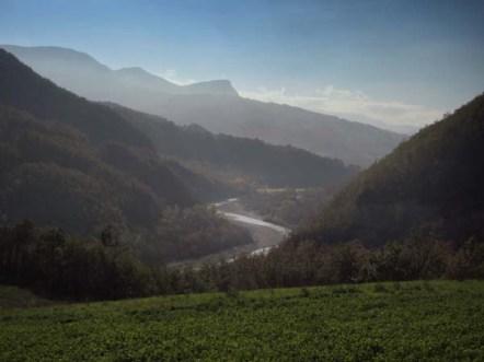 Veduta sulla val Ceno dal sito di Lacore