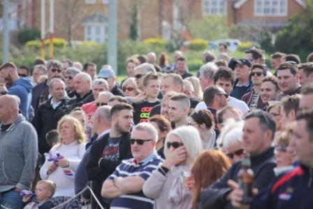 playoff medway 3 crowd a
