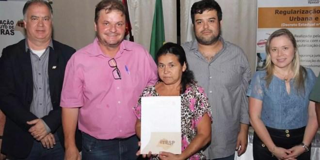 Moradores do Padre Eterno recebem títulos de posse gratuitamente