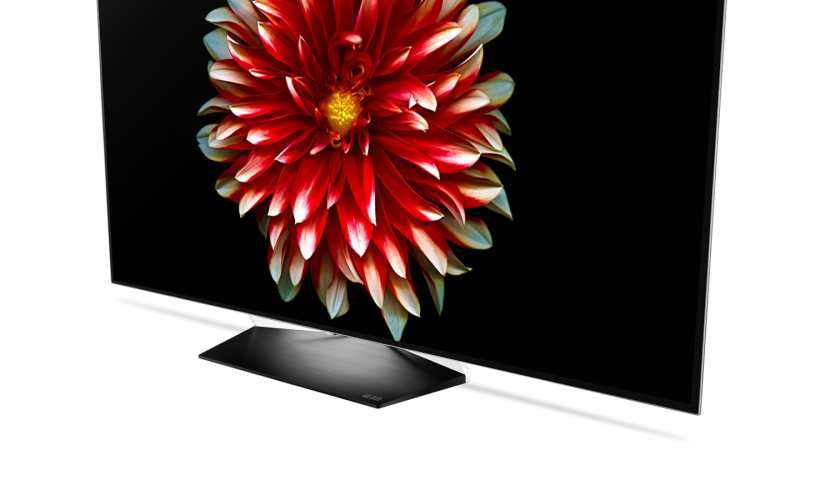 LG gives the gift of immersive entertainment with OLED TV promo_photo3
