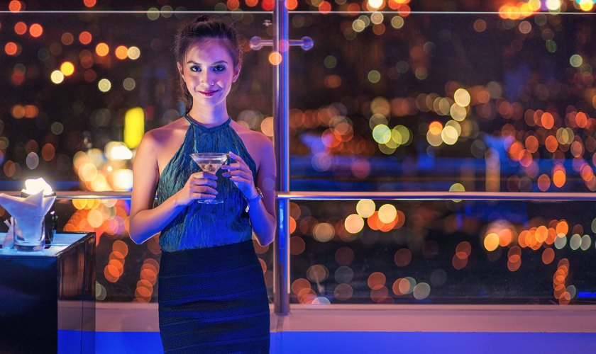 Sparkling-New-Year-at-Vu's-Sky-Bar-and-Lounge