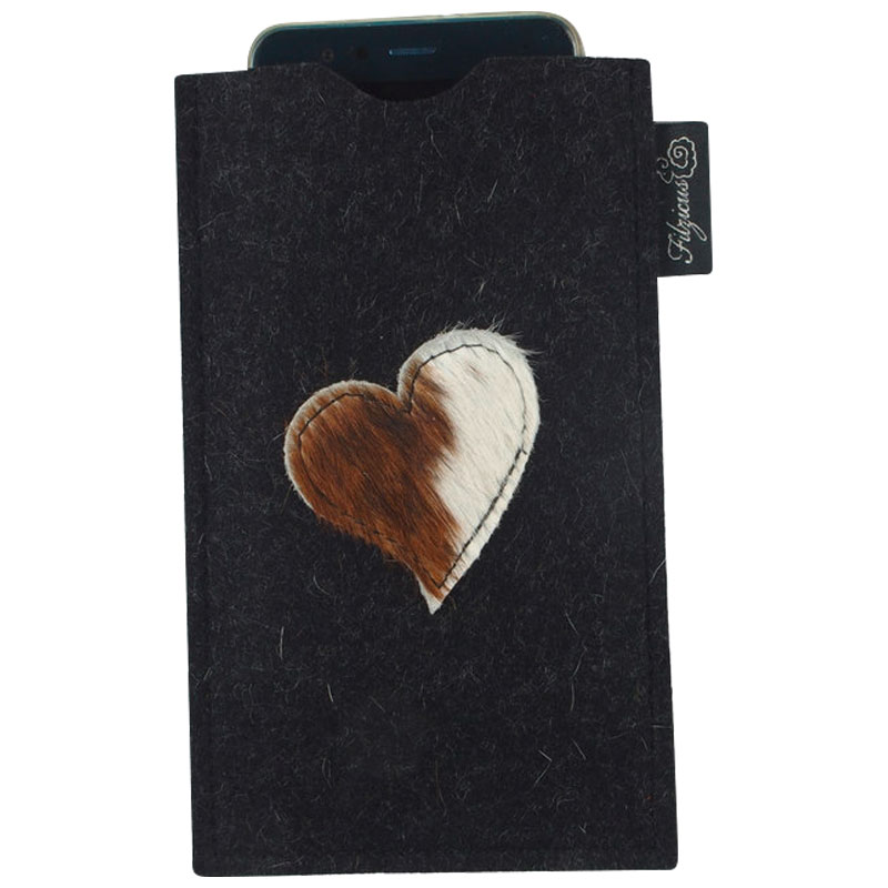 Smartphone Hülle aus Wollfilz mit Kuhfell Herz