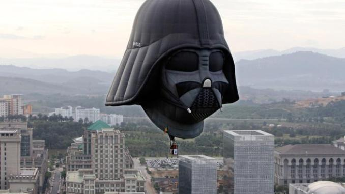 Ballonvlucht in Darth Vader @ Twente Biennale