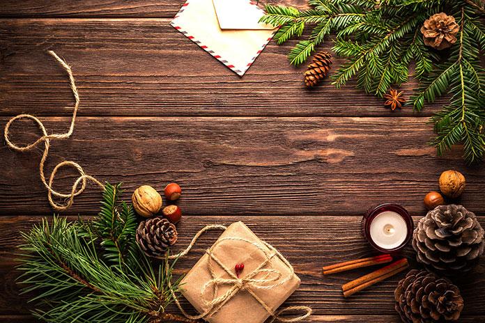 Jakimi serwetkami ozdobić świąteczny stół?