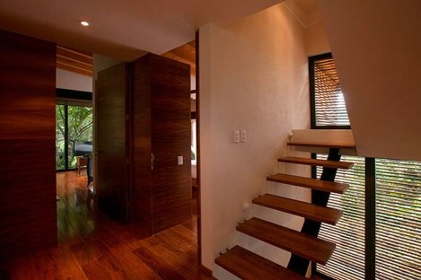 Charming And Minimalist Wooden House 12