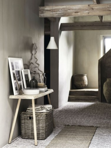 Chic And Simple Entrance Ideas For Your House 47
