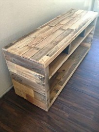 Adorable Crafty Diy Wooden Pallet Project Ideas 47