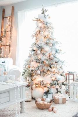 Adorable White Christmas Decoration Ideas 06