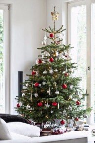 Awesome Scandinavian Christmas Decor Ideas 23