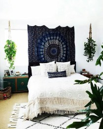 Creative Bohemian Bedroom Decor Ideas 04