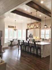 Cute Farmhouse Kitchen Remodel Ideas 22