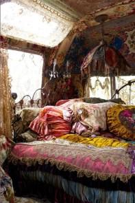 Elegant Bohemian Bedroom Decor Ideas 41