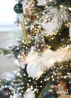 Extraordinary Christmas Tree Decor Ideas 11