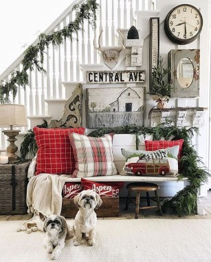 Fascinating Farmhouse Christmas Decor Ideas 35