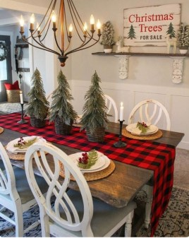 Fascinating Farmhouse Christmas Decor Ideas 47
