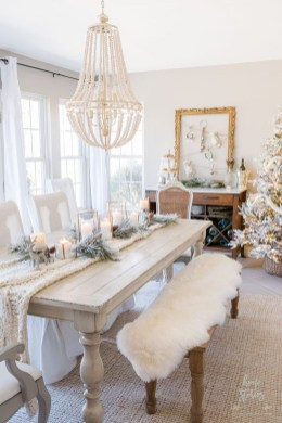Gorgeous Christmas Apartment Decor Ideas 08