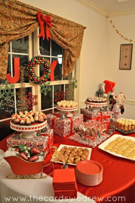 Lovely Red And Green Christmas Home Decor Ideas 06