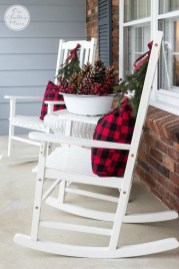 Perfect Christmas Front Porch Decor Ideas 11
