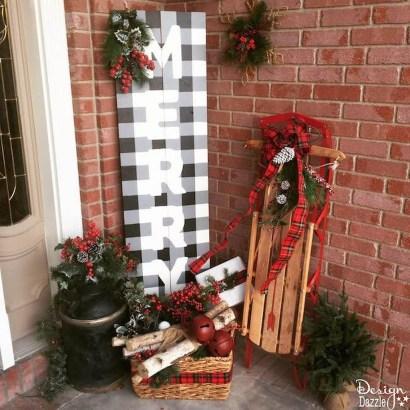 Perfect Christmas Front Porch Decor Ideas 33