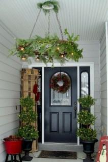 Perfect Christmas Front Porch Decor Ideas 36