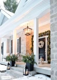 Perfect Christmas Front Porch Decor Ideas 45