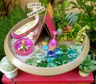 Pretty Diy Christmas Fairy Garden Ideas 54