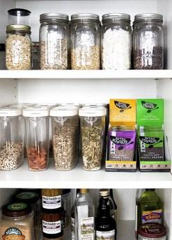 Simple Minimalist Pantry Organization Ideas 54