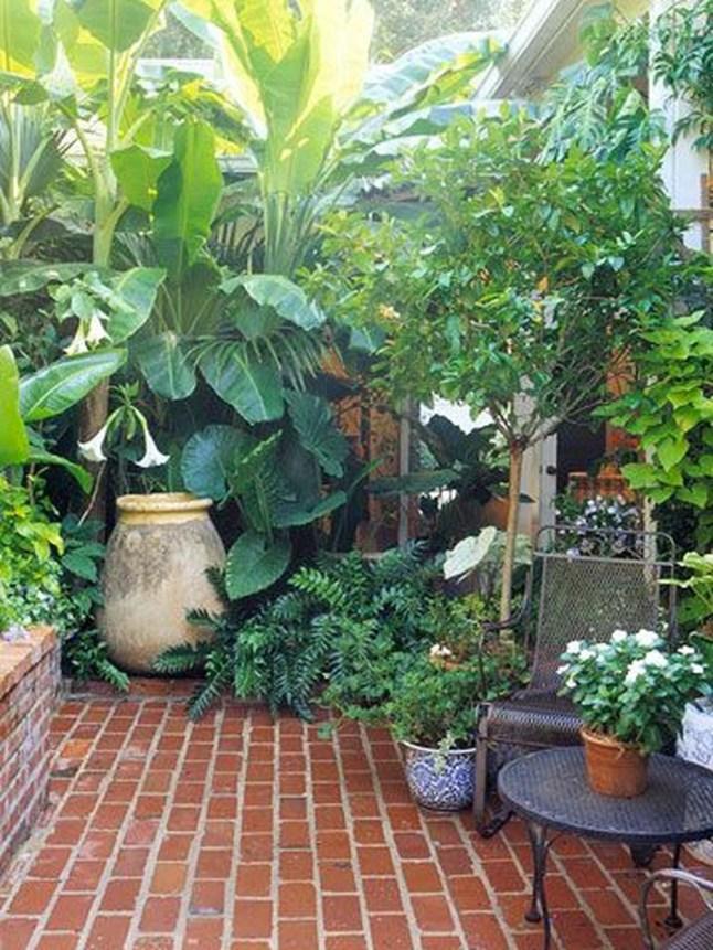 Attractive Small Patio Garden Design Ideas For Your Backyard 40
