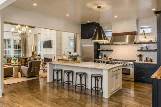 Awesome Farmhouse Kitchen Design Ideas 53