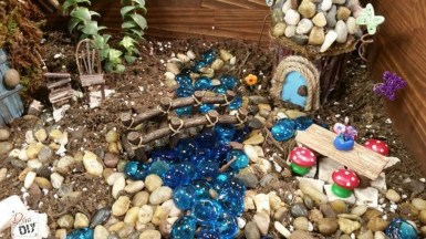 Magnificient Diy Fairy Garden Ideas With Plants 28