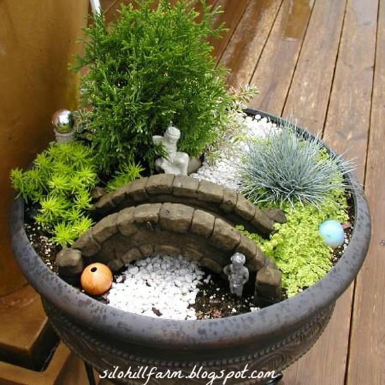 Magnificient Diy Fairy Garden Ideas With Plants 31