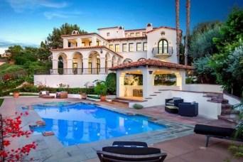 Perfect Mediteranean Swimming Pool Design Ideas 35