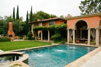 Perfect Mediteranean Swimming Pool Design Ideas 36