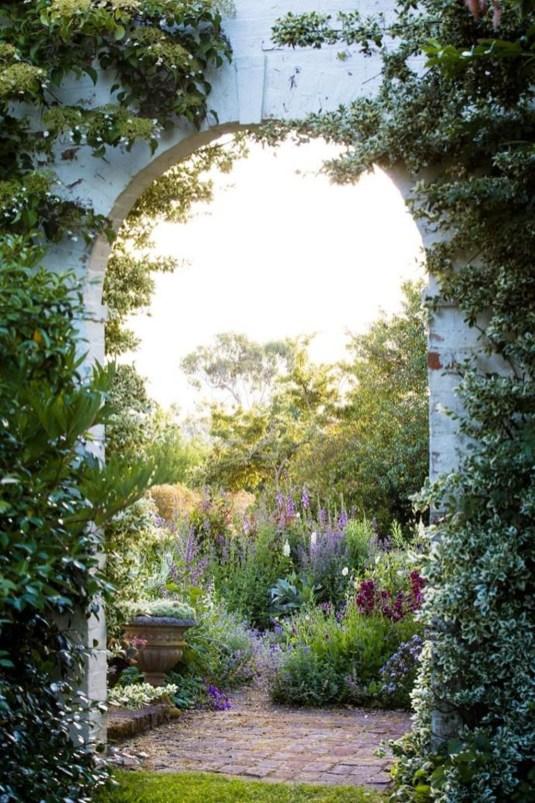Smart Garden Design Ideas For Front Your House 28