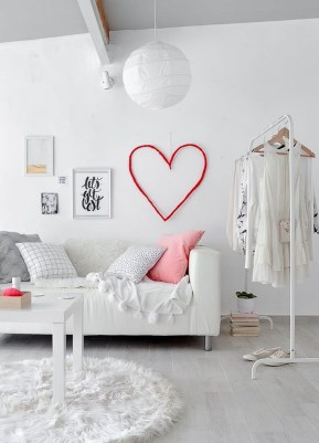 Stunning Red Home Decor Ideas For Valentines Day 23
