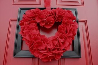 Stunning Red Home Decor Ideas For Valentines Day 36