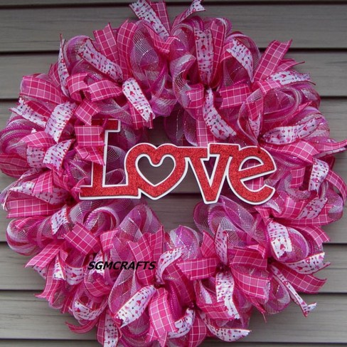 Unique Outdoor Valentine Decor Ideas 45