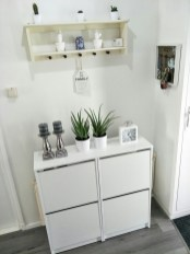 Minimalist Tiny Apartment Shoe Storage Design Ideas 23