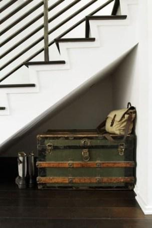 Minimalist Tiny Apartment Shoe Storage Design Ideas 28