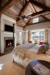 Relaxing Small Loft Bedroom Designs 40