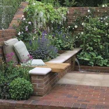 Stunning Small Patio Garden Decorating Ideas 03