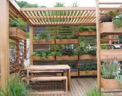 Stunning Small Patio Garden Decorating Ideas 04