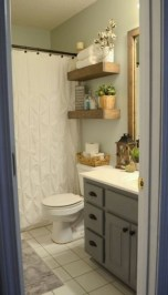 Elegant Bathroom Makeovers Ideas For Small Space 39