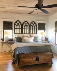 Elegant Farmhouse Decor Ideas For Bedroom 32